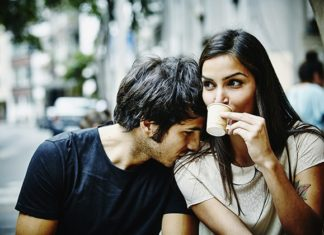 7 Proven Tricks of How to Charm a Girl over Text - LoverSign